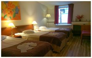 Triple_room_02a